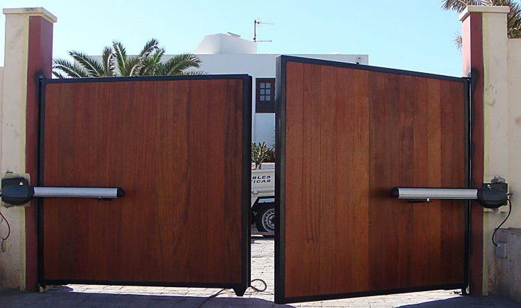 Ворота из HPL панелей